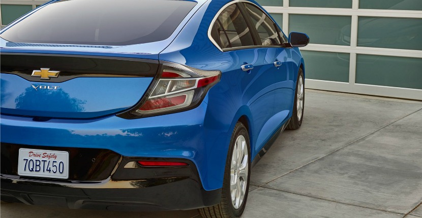 2017 Chevy Volt Beats Out The Compeion To Become Car And Driver S Best